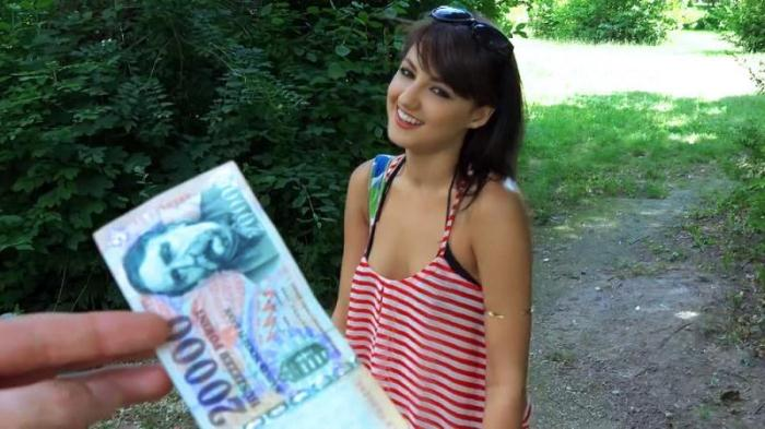 Suzy Rainbow - Hungarian Hottie Pounded Outdoors (Teen) [SD, 480p]