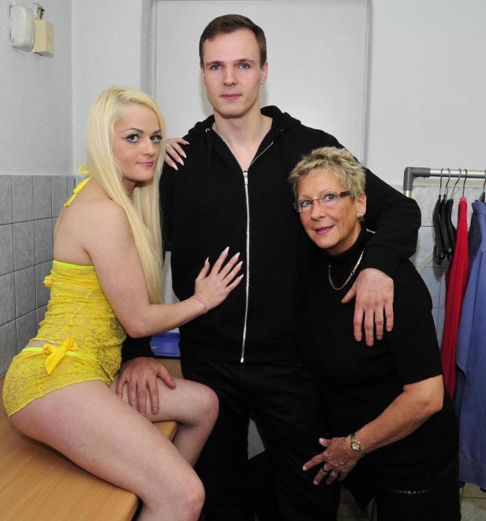 ReifeSwinger/PornDoePremium: Angelika J., Don John, Oxana P. - Laundry room threesome with German blondies  [SD 480p]  (Threesome)
