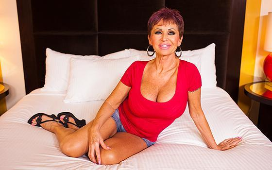 M0mP0v.com - Melina - Amazing Euro Cougar Slut - Е398 (Granny) [SD, 360p]