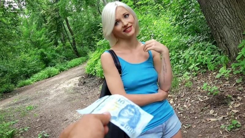 Zazie Skymm (Euro Babe Fucked in the Woods / 04-08-2016) [PublicPickUps, Mofos / SD]
