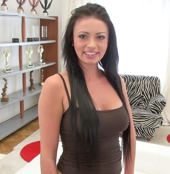 Jessica R, Rocco Siffredi Rocco Takes Video Virgins Anal [EvilAngel 720p]