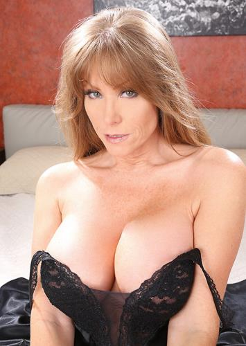 In Search Of Big Tits - Darla Crane (SiteRip/MilfsLikeItBig/SD480p)