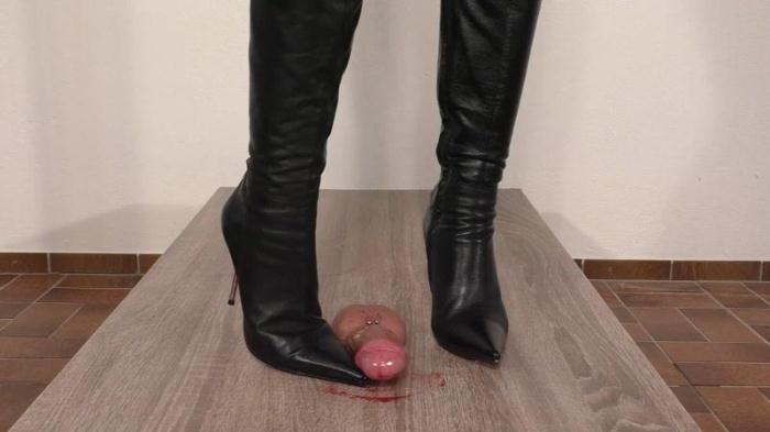 Lady Latisha - Extreme Sadistic Cock Trampling Bootjob Clip 1 (Extreme with Blood) [FullHD, 1080p]