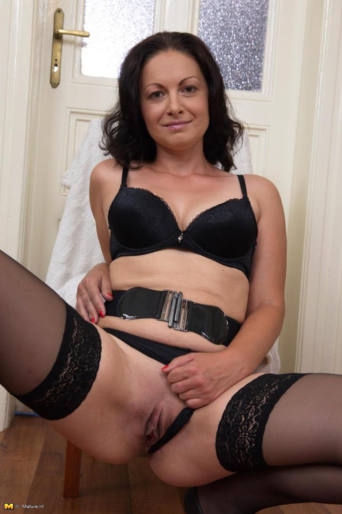 Mature.nl - Maika (35) - Hot housewife playing with herself [HD 720p]