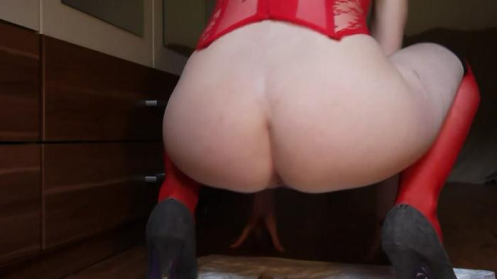 Scat Porn: Shitting in a hot, red corsage - Solo (FullHD/1080p/89.5 MB) 07.09.2016