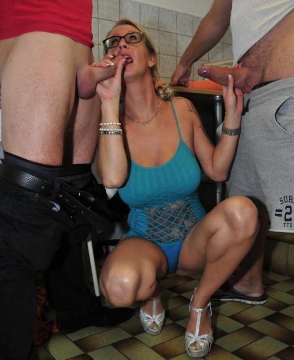 Jana L. - German mature babe gets satisfied in hardcore MMF threesome  (ReifeSwinger/PornDoePremium/SD/480p/422 MiB) from Rapidgator