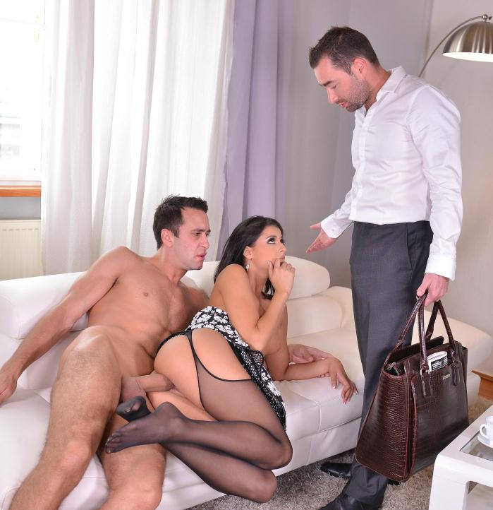 HotLegsAndFeet/DDFNetwork - Coco De Mal - Feet To Suck - Foot Fetish Threesome With Stunning Serbian Babe  (720p / HD)