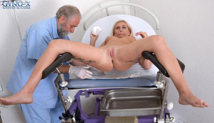 Roxy Black - 20 years girl gyno exam (Gyno-X) HD 720p