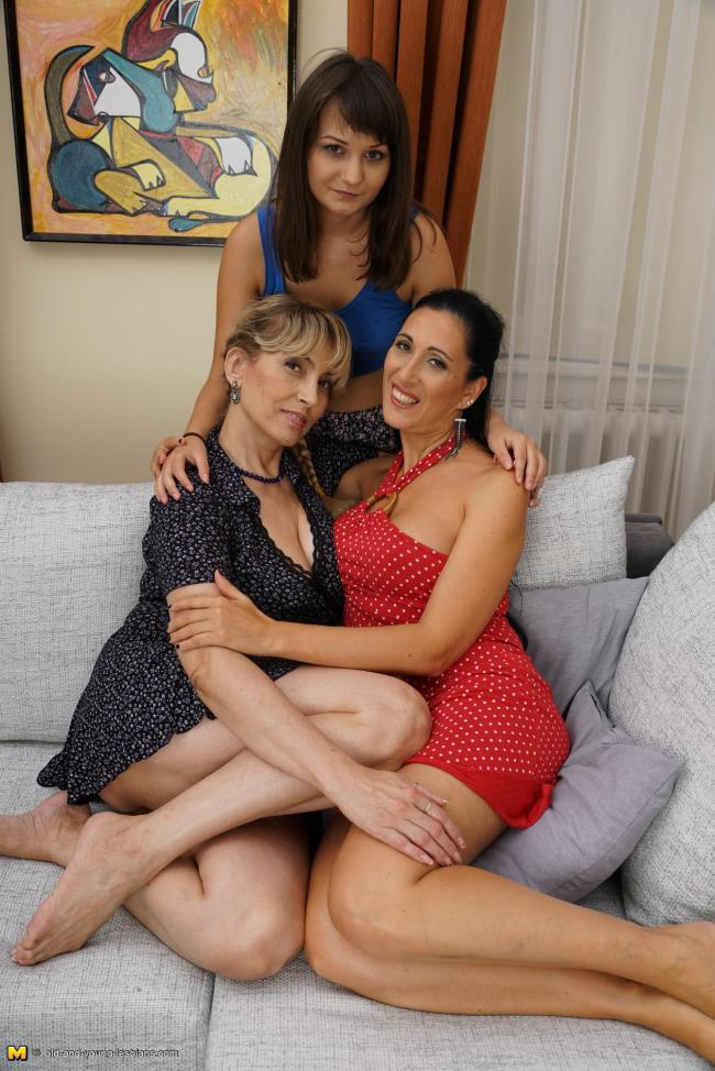 Old-and-young-lesbians: Giorgia (37), Olga C. (54), Hailey (18) - 3 old and young lesbians playing with eachother (HD/2016)