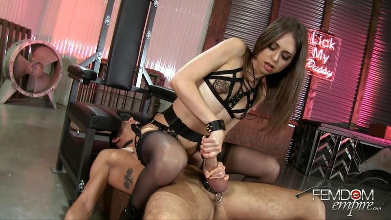 F3md0m3mp1r3.com: Slave Face Ride [FullHD] (683 MB)