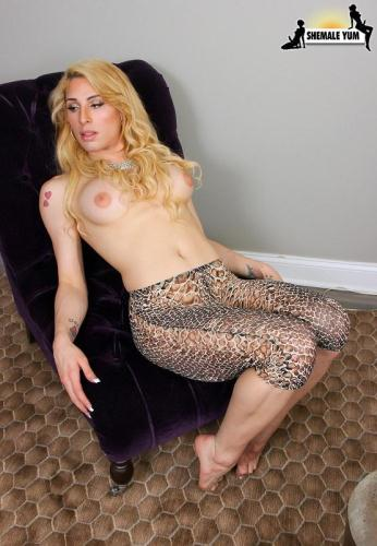 Jane West - Jane West Cums For You! [HD, 720p] [Sh3m4l3Yum.com] - Shemale