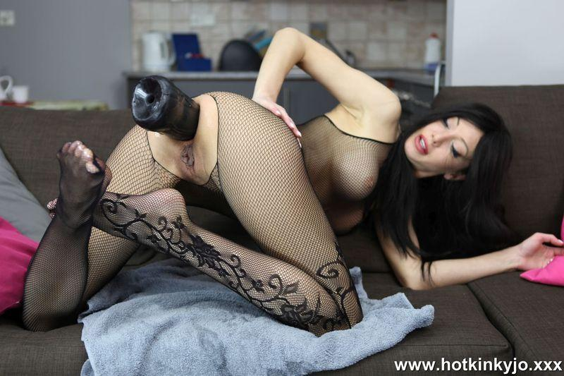 Fishnet and ass ruined by big black plug [Hotkinkyjo / HD]