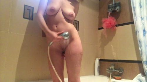 Taking a shower! [FullHD, 1080p] [Sc4tsh0p.com] - Scat