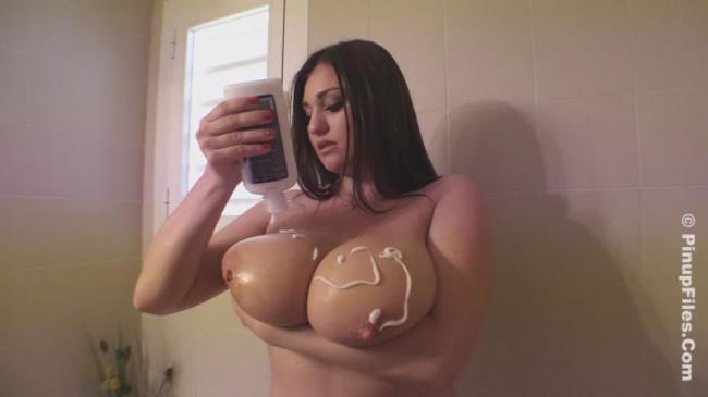 Pinupfiles: Demmi Blaze - Sexy Shower 1 (HD/2016)
