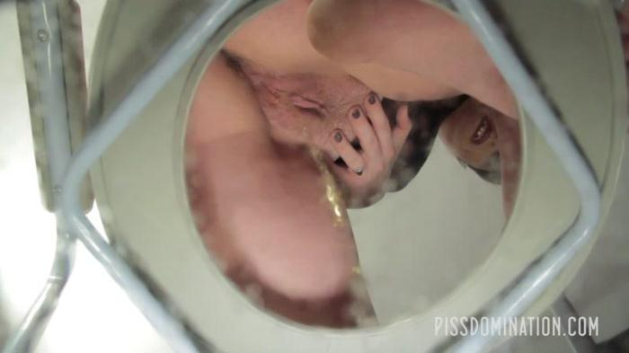 Quinn Helix Starts your Toilet Slave Training (PissDomination) FullHD 1080p