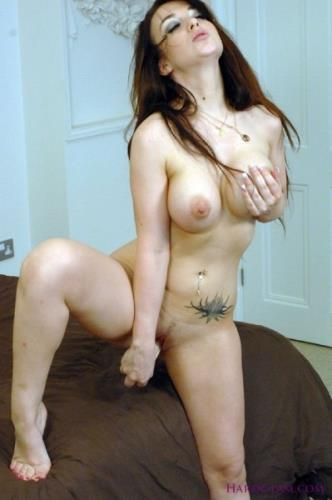 Jade Summers - Little Jade takes big dick (Hardglam) [HD 720p]