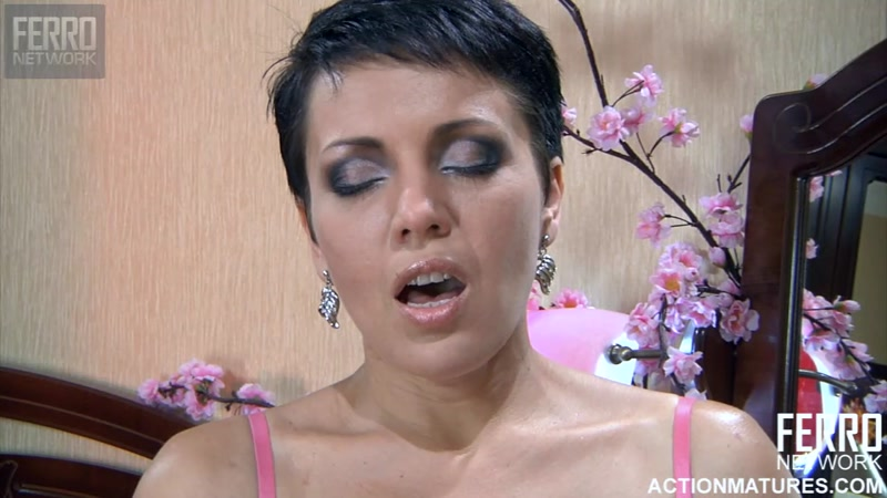 Nimfa aka Viola - Sex with Mature - g701 (Russian Mature / 30 Sep 2016) [FERRONETWORK / HD]