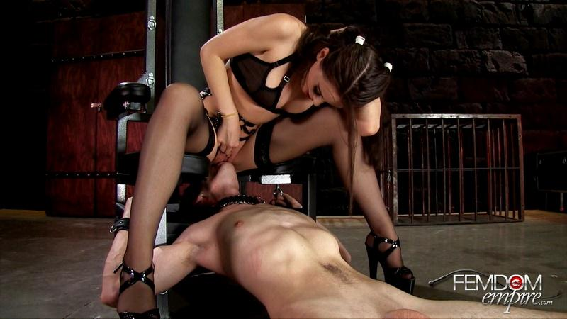 F3md0m3mp1r3.com: I ride slave face [FullHD] (919 MB)