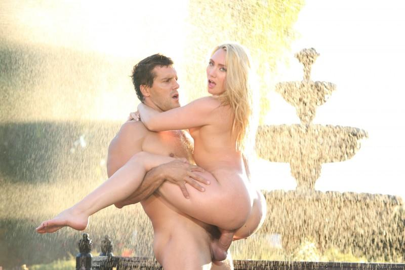 AJ Applegate, Ramon Nomar - Squirt Queen AJ: Girl Juice Geyser! [EvilAngel / SD]