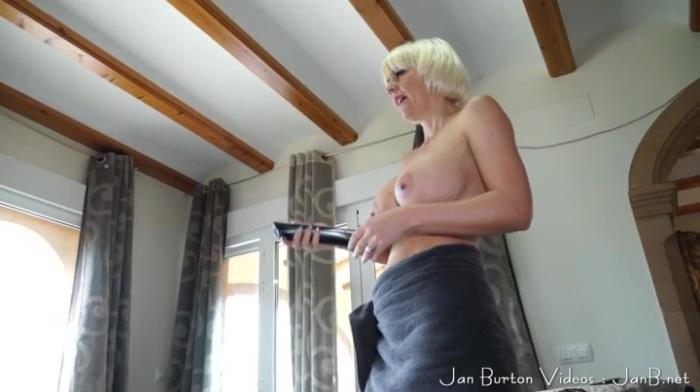 Clips4Sale.com - Jan Burton - Son watches Mummy dusting the house [SD 404p]