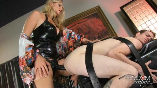 MILF Strap-on Seduction [FullHD, 1080p] [F3md0m3mp1r3.com] - Femdom
