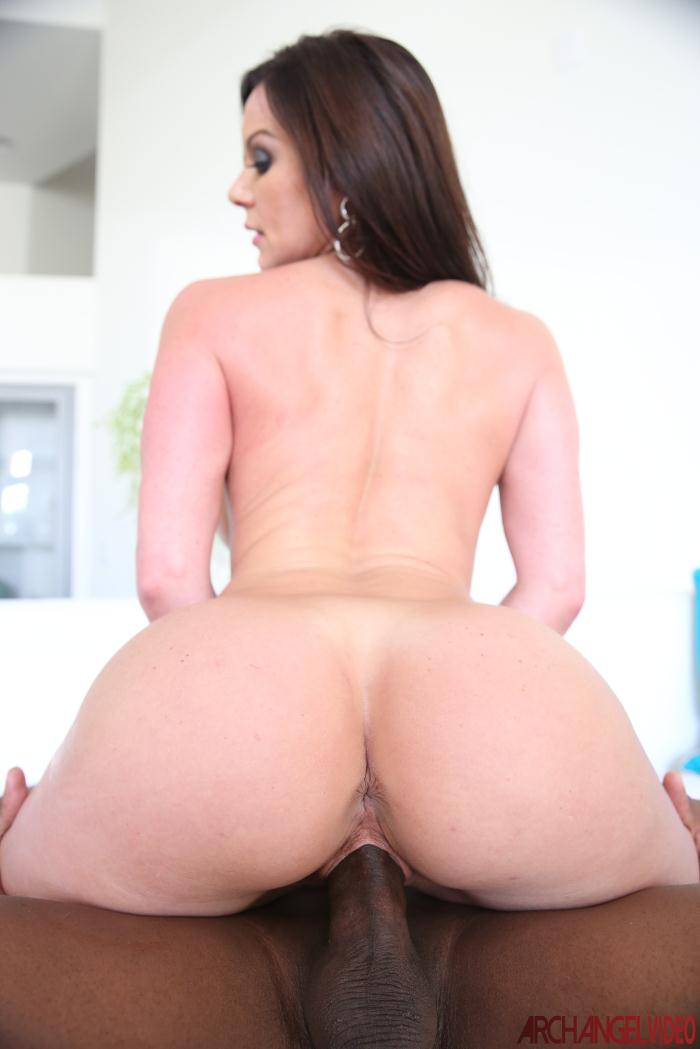 ArchangelVideo: Kendra Lust - Hot Booty Lust Interracial  [HD 720p]  (Milf)