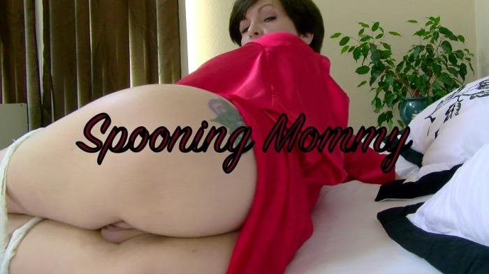 Mrs Mischief / Clips4Sale.com - Mrs Mischief - Spooning Mommy [FullHD 1080p]