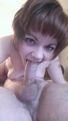 Hubbyslittleslut - Hardcore with Teen [SD] (136 MB)