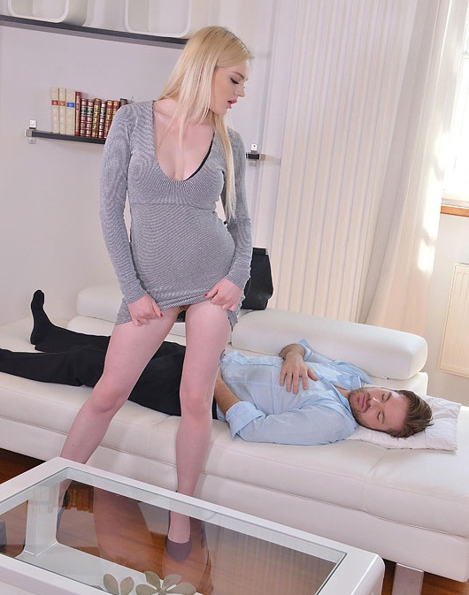 HandsonHardcore/DDFNetwork: Carly Rae - Tasty Awakening - A Blonde Bombshells Deep Throat Lust  [FullHD 1080p] (1.37 GiB)
