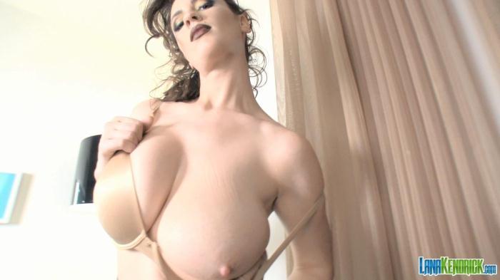 Lana Kendrick - Nude Bra 2 [HD/720p/mp4/543 MB] by XnotX