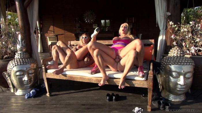 Lara de Santis, Kayla Green - Outdoor group sex! (06.09.16) [SD/400p/MP4/338 MB] by XnotX