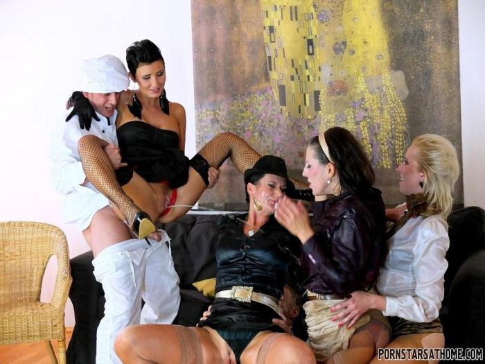 Celine Noiret, Gabrielle Gucci, Valentina Ross - Gourmet Piss Bang [HD/720p/MP4/459 MB] by XnotX