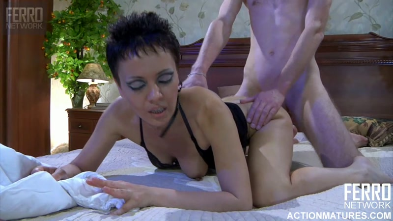 Nimfa aka Viola - Sex with Mature - g697 (Russian Mature / 30 Sep 2016) [FERRONETWORK / HD]