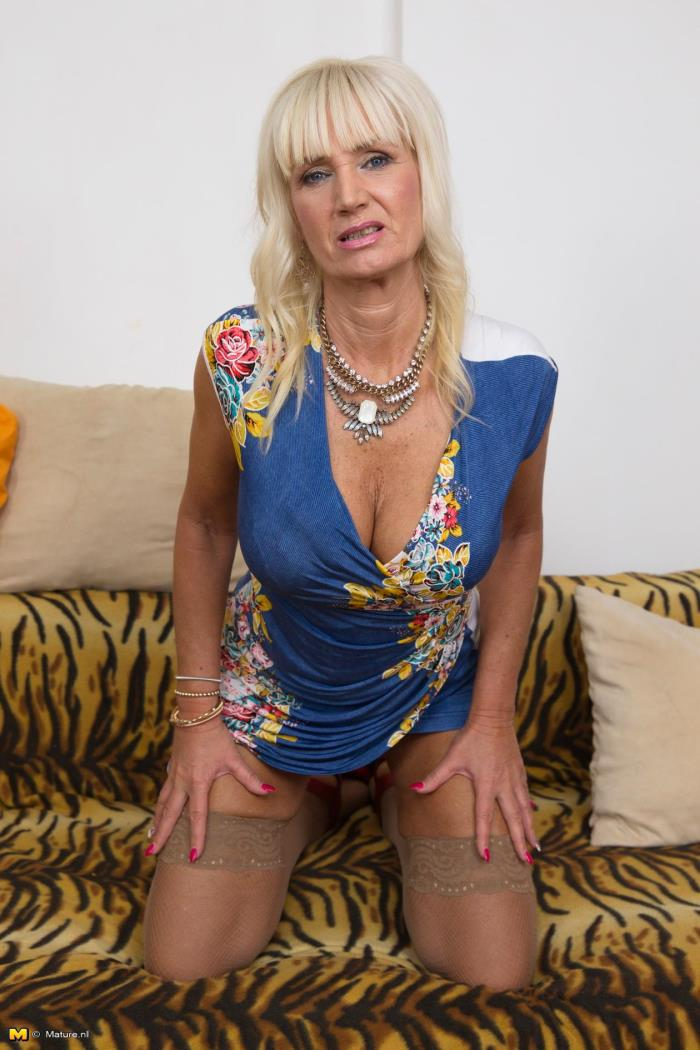 Mature.nl - Roxanna C. (57) - Fresh mature lady fingering herself [HD 720p]