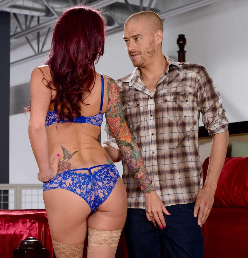 RealWifeStories/Brazzers - Monique Alexander - Whats Taking Her So Long? [HD 720p]