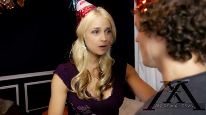 Clips4sale.com - Sarah Vandella - Happy Birthday to You [HD 720p]