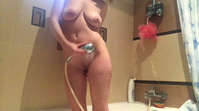 JosslynKane - taking a shower! [Scatshop / FullHD]