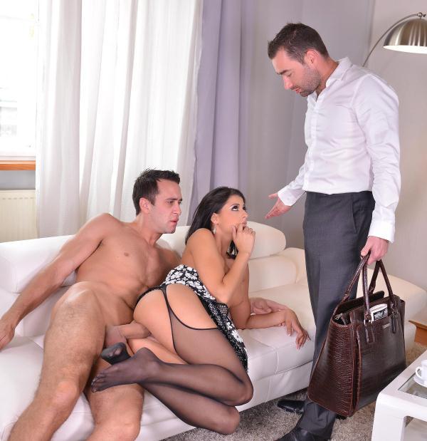 Coco De Mal - Feet To Suck - Foot Fetish Threesome With Stunning Serbian Babe  (HotLegsAndFeet/DDFNetwork/HD/720p/1.03 GiB) from Rapidgator