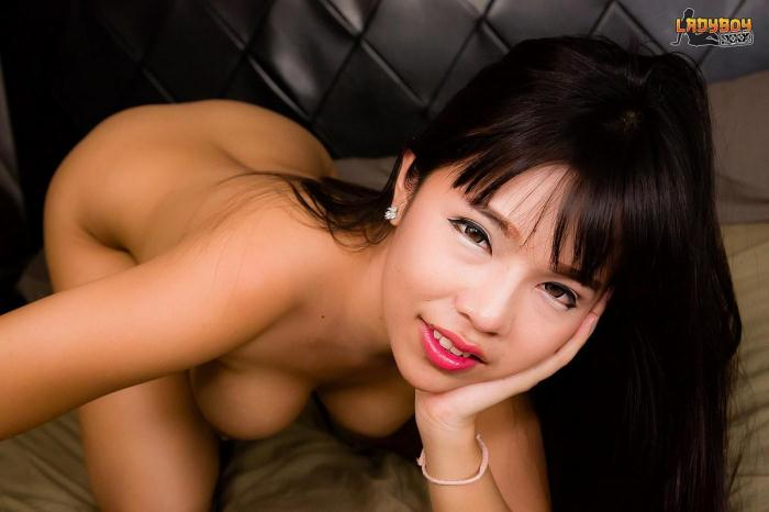 Stunning Yuki Plays With Her Sexy Cock! (L4dyb0y.xxx) HD 720p
