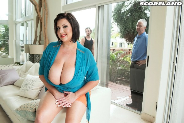 ScoreLand.com - Paige Turner - Bangin The Window Washer [FullHD 1080p]