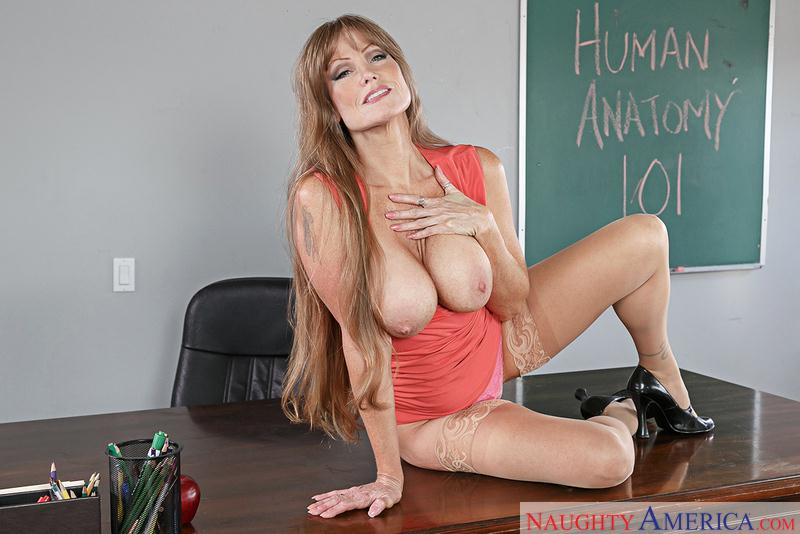 Darla Crane (Mature with Big Boobs / 23.09.16) [NaughtyAmerica, MyFirstSexTeacher / SD]