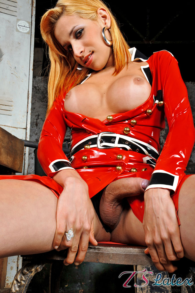 TSlatex: Samantha Ferraz - In red latex [SD 540p]