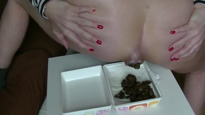 SCHEISS snack for you - Solo (Scat Porn) FullHD 1080p