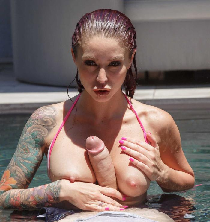 Monique Alexander - Pornstar In The Pool  [HD 720p]