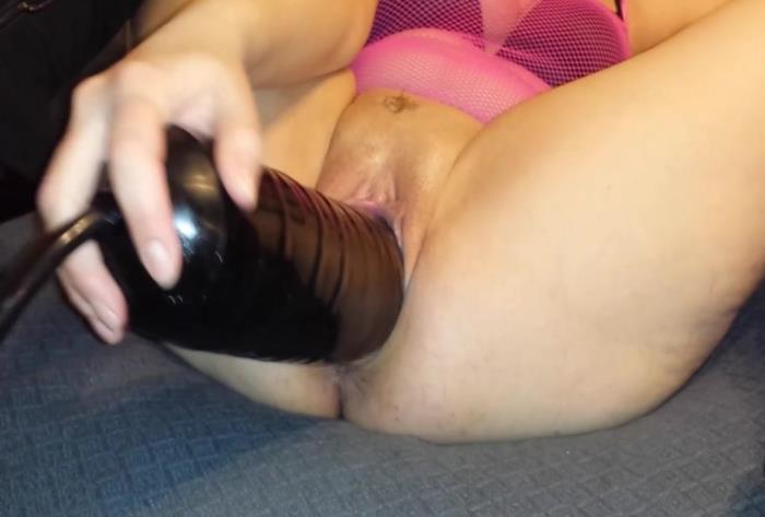 Sicflics.com - Amateur - Gigantic dildo penetrations [HD 736p]