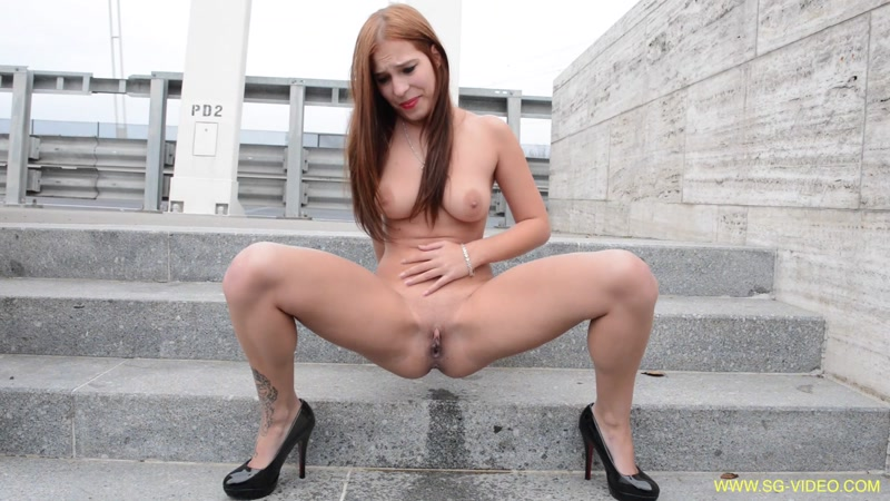 Mikaela Wolf Solo Scat Girls - Outdoor Solo (SCAT / 21 Sep 2016) [FullHD]