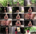 Blonde on lookout [FullHD, 1080p] [G2P] - Pissing