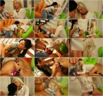 Laetitia, Candy Blond - Jean Queens Take Some Lesbo Golden Showers (HD 720p)
