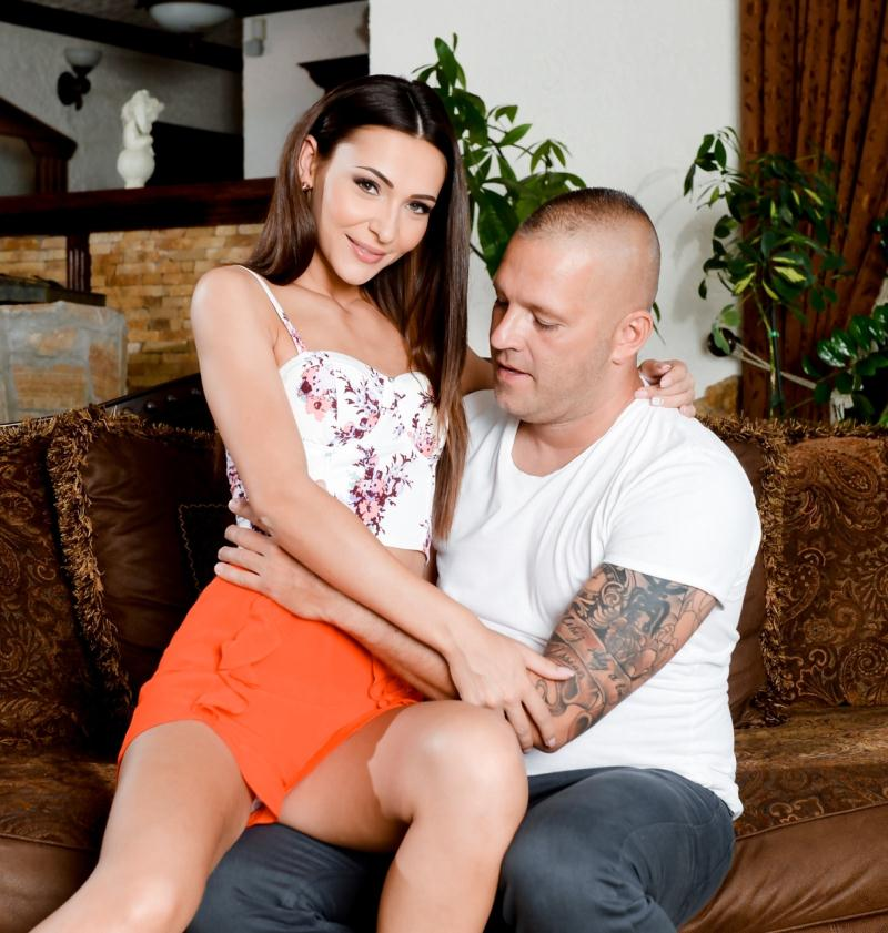 PixandVideo/21Sextury: Alexis Brill - Taking Care Of The Wife  [HD 720p] (868 MiB)