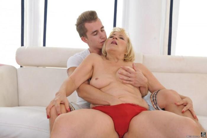 21Sextrem, LustyGrandmas: Dolly Blonde, Oliver - Granny's Anal Pleasures (SD/544p/260 MB) 08.09.2016
